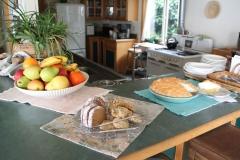 turtle-rocks-oceanfront-bed-and-breakfast-trinidad-ca-dessert-3