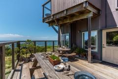Turtle Rocks Inn ocean vew deck for all guests.